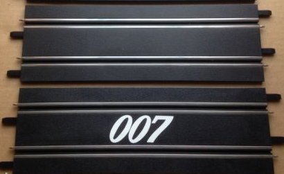 Carrera Go James Bond 007 Die Another Day Set Aston Martin Vanquish Jaguar Xkr
