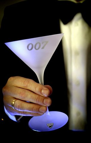 Dry Martini  glas with 007 logo from 007 museum