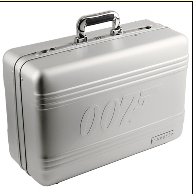 Swatch_Suitcase_40James_Bond.jpg