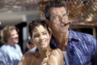 Halle Berry as JINX with James Bond Pierce Brosnan