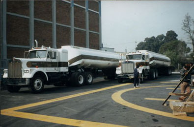 Kenworth Tanker in Licence to kill