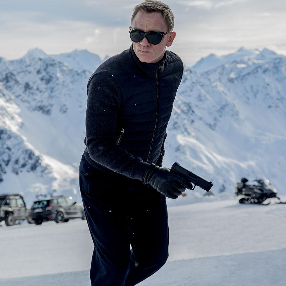 2bc60ec7dd JAMES BOND EPITOMIZES THE TOM FORD MAN IN HIS ELEGANCE