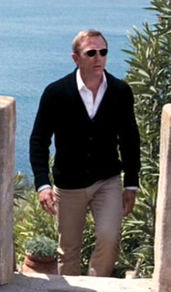 ee702309bdefd2 ... Bond (Daniel Craig)