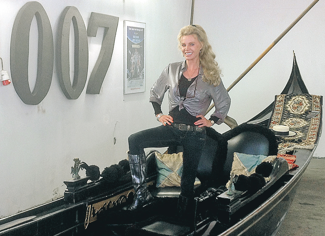 Bondgirl from Octopussy 1983  Kristina Wayborn  Britt-Inger Johansson, with James Gunnar Schäfer  Bond in James Bond 007 Museum Sweden Nybro, here with La Gondola from Moonraker 1979.